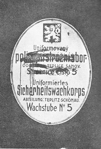 Czech inscriptions smeared by Sudeten German activists, March 1938, Teplice (German : Teplitz