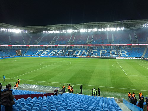 500px-%C5%9Eenol_G%C3%BCne%C5%9F_Stadium.jpg