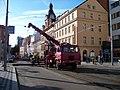 Štefánikova, rekonstrukce TT, u náměstí 14. října, autojeřáb a radnice.jpg