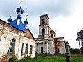 Вид на колокольню Троицкой церкви.jpg