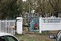 Кладбище села Солдатское на Пасху 2014 30.JPG