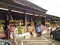 สินค้าพื้นเมืองบริเวณศาลพ่อตาหินช้าง - panoramio.jpg