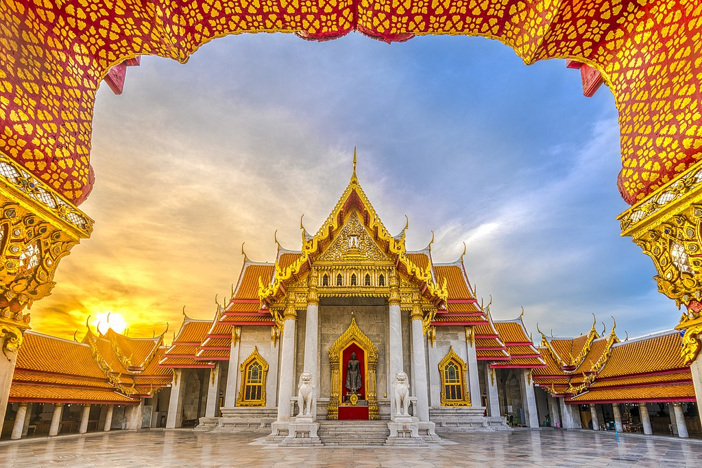 A photograph of Wat Benchamabophit, a Buddhist temple in Bankok, Thailand.