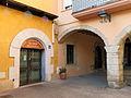 105 Plaça del Bo-bo (Monistrol de Montserrat), porxo.JPG