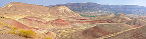 Mitchell, Oregon - Image: 12 vertical panels pano painted hills