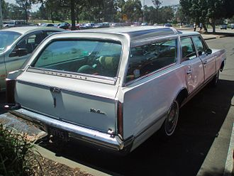 Oldsmobile Vista Cruiser - 1966 Vista Cruiser displaying raised rear roofline