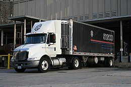 2008-07-24 International truck docked at Duke Hospital South 2.jpg