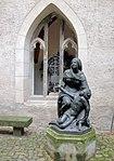 20091020290DR Meißen Heinrichsplatz Franziskanerklosterkirche.jpg