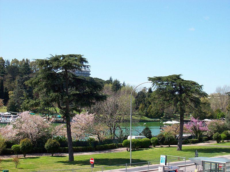 2013-04-11 Roma Parco Lago EUR.jpg