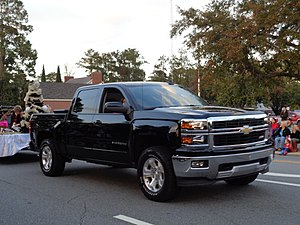 Chevrolet Silverado - Image: 2015 Greater Valdosta Community Christmas Parade 032