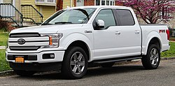 2018 Ford F-150 Lariat Crew Cab 3.5L EcoBoost front 4.22.19.jpg