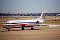 257af - American AirlinesFokker 100 N1462C@DFW,08.08.2003 - Flickr - Aero Icarus.jpg