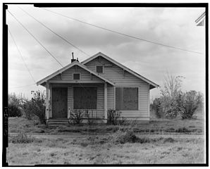 File:2984 Misty Street - general view north front ...