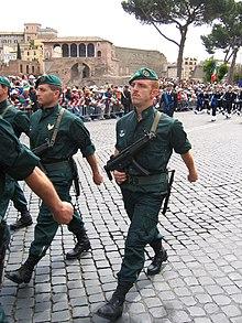 incursore del COMSUBIN in parata