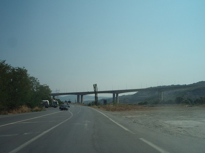 Αρχείο:A2 Motorway, Greece - Grevenitis (Greveniotikos) Bridge at Grevena (city) - seen from National Road 15 - 01.jpg