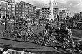 Aalsmeers Bloemencorso in Amsterdam een der praalwagens op de Dam, Bestanddeelnr 927-4368.jpg