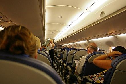 kabine embraer e 170 4 sitze pro reihe. Black Bedroom Furniture Sets. Home Design Ideas