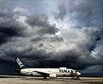 Airwork Boeing 737-400F (ZK-JTQ) at Christmas Island Airport (2).jpg