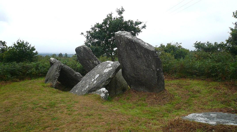 Allée couverte de Castel-Ruffel en Saint-Goazec, Finistère, Bretagne, France