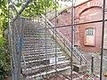 Alte Treppe am alten Freinsheimer Bahnhofsgebäude.jpg