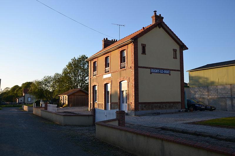 file ancienne gare d isigny le buat sur la la voie verte de vire 224 la baie du mont michel