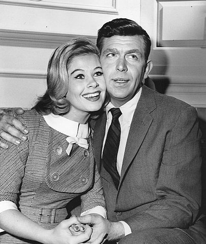 Andy Griffith and Sue Ane Langdon, Andy Griffith Show 1962.jpg
