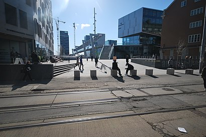 How to get to Annette Thommessens Plass with public transit - About the place