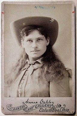 Annie Oakley, Baker's Art Gallery