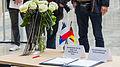 Anteilnahme für die Opfer und Betroffenen Paris, Kondolenzbuch für Helmut Schmidt-2864.jpg
