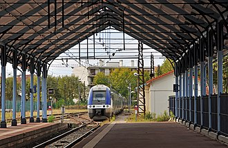 Gare d'Arcachon - A TER train in the sidings at the station