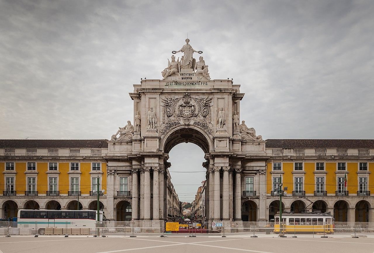 File:Arco Triunfal da Rua Augusta, Plaza del Comercio ...