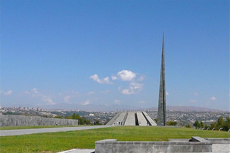 Armenian Genocide Memorial - Yerevan (2903020364).jpg
