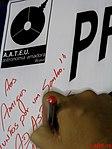 Astronauta Marcos Pontes autografando o banner do Projeto Astronomia Para Todos - Batatais na véspera do evento Domingo Com o Astronauta, realizado em Bauru no dia 3 de abril de 2016, em comemoraçã - panoramio.jpg