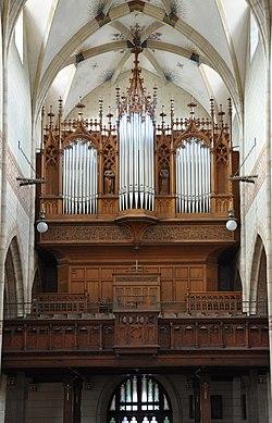Bad Urach St Amandus Orgel 01b.jpg
