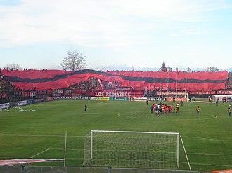 Estadio Municipal Nelson Oyarzún Arenas - Image: Bandera Gigante Ñublense