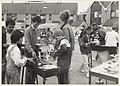 Barbecue in de Van der Burchtstraat. NL-HlmNHA 54023713.jpg