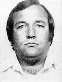 Barry Seal American smuggler of drugs and arms, aircraft pilot, dealer, and money launderer