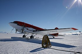 BT-67 de Kenn Borek Air à Williams Field, Antarctique.