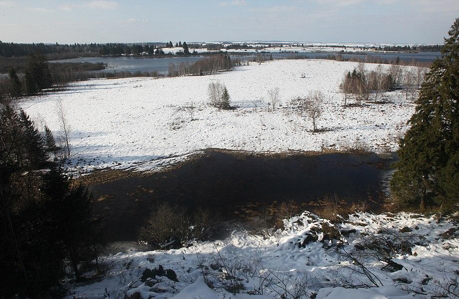 Le marais du Varot vu du belvédère de Chatel-Véron à Bouverans (Doubs).
