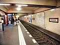 Berlin- U-Bahn-Station Stadtmitte (U 6)- auf Bahnsteig zu Gleis 1- Richtung Berlin-Alt-Mariendorf 8.8.2009.jpg