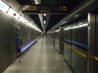 Bermondsey tube station - Image: Bermondsey station eastbound look west
