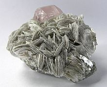 Muscovite - Wikipedia, the free encyclopedia