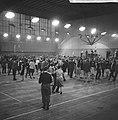 Bevrijdingsbal in de Apollohal te Amsterdam, overzicht van de zaal, Bestanddeelnr 917-7342.jpg