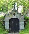 Björnlunda kyrka Wattrang grav.jpg
