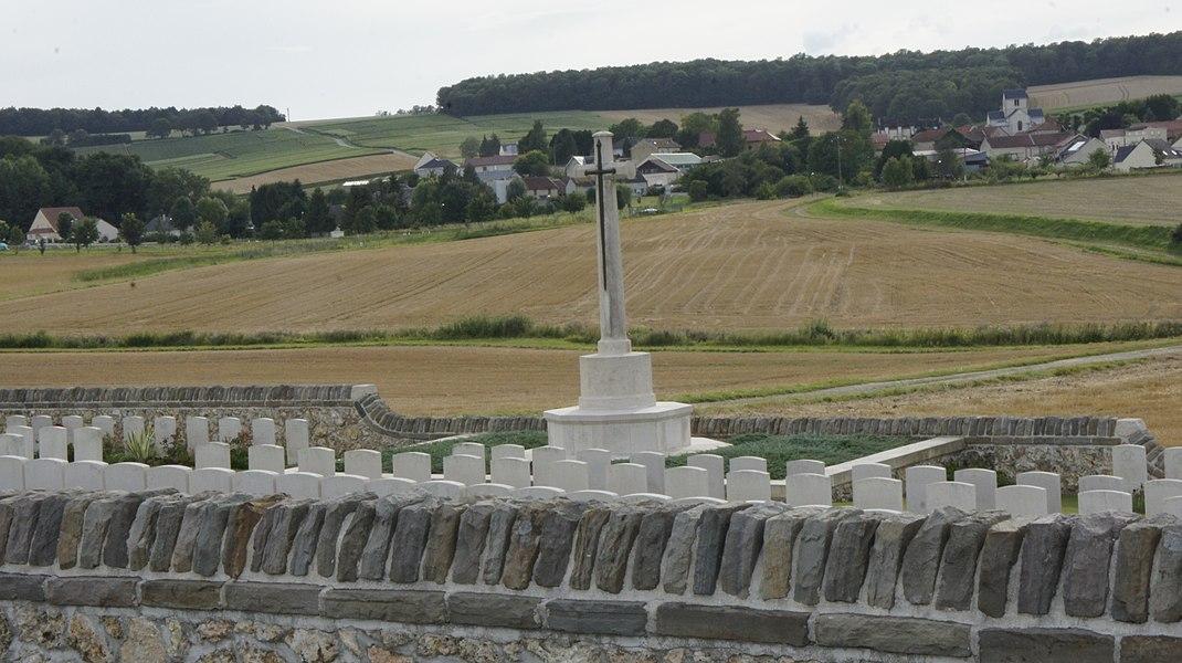 Sur la commune de Bouilly le British cemetery.