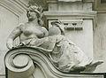 Bratislava Komenskeho namestie skulptura na budove.jpg
