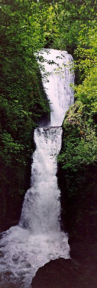 Bridal Veil Falls (Oregon) - Image: Bridalveil Falls Oregon 1995
