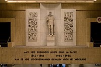 Brussels Central station world wars memorial (DSC 0318).jpg