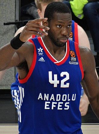 Bryant Dunston - Dunston with Anadolu Efes in December 2017.