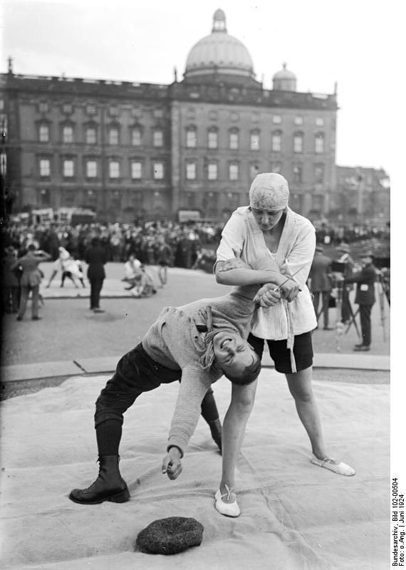 Bundesarchiv Bild 102-00504, Berlin, Turn- und Sportwoche im Lustgarten
